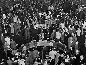 1929年经济危机_面临全球经济危机衰退的形势,作为即将走出校门的大学生,我们应该...