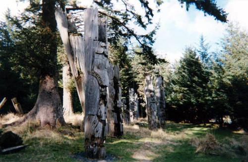 盖房子和树立纪念柱