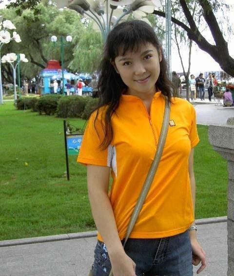 叶文1995年考入黑龙江大学历史系明清史专业,1999年毕业后进入黑龙江图片
