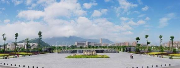 福州大学/学校目前有怡山、旗山、厦门工艺美院等多个校区,