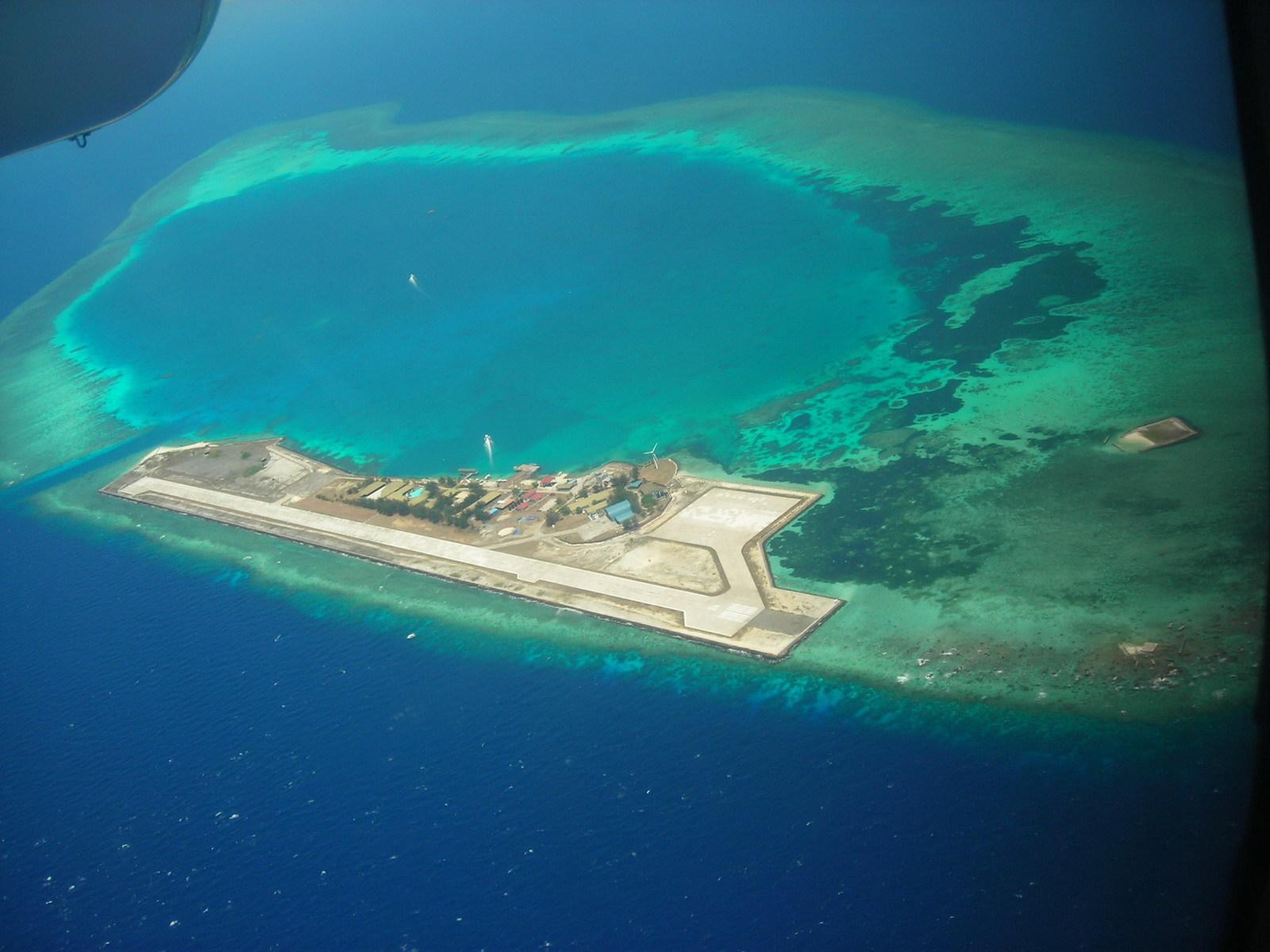 菊香书屋666 南沙群岛       1999 年5月,马来西亚经过长期计划与准备