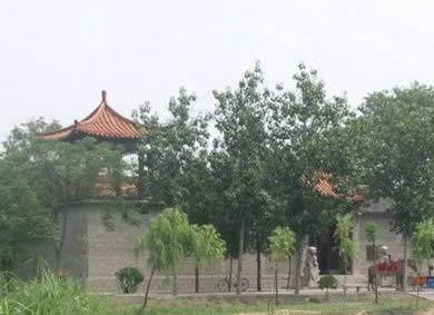"""主要景点有:省级名胜风景区,素有""""北国江南""""之称的马踏湖(五贤祠,冰山"""