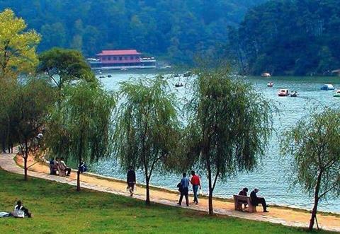 黔灵山公园不仅是国内著名风景区