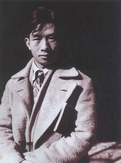 1933年初从北平回到上海的聂耳.jpg