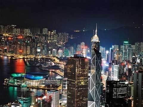 香港中银大厦自1982年底开始规划设计